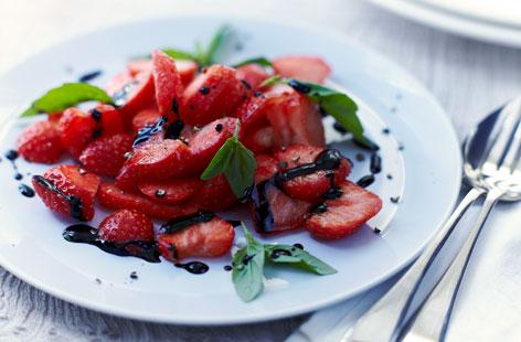 Healthy-PC-strawberrycarpacciowithbalsamicglaze-He-fb5fcfb2-4fbc-464b-b6d3-d225847d43fe-0-472x310